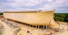 Amerikában megépítették Noé bárkáját életnagyságban. Minden állatfajnak megvan benne a maga helye