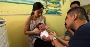 Egy amerikai gyermekorvos előállt egy érdekes módszerrel a síró baba megnyugtatására