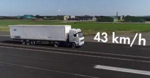 Egy törésteszt, ami bizonyítja, hogy egy baleset már 43 km/h sebességnél is halálos lehet