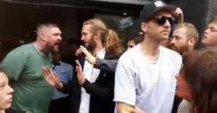 A húsevő srác meg akarta kapni a hamburgerét a vegán tüntetés alatt