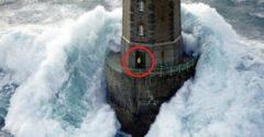 Túlélte a világítótorony őre a legendás fotót a tomboló vihar kellős közepén?