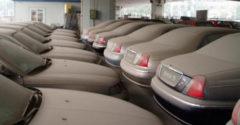 Hol végzik az új autók, amelyeket a túltermelés miatt nem tudnak eladni?