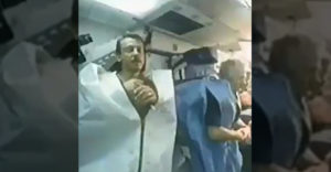 Az űrben alvó űrhajósok (Mintha egy horrorfilmet néznénk)