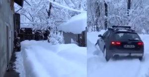 Amikor már munkába kell menned és nincs időd eltakarítani a havat (Audi Quattro)