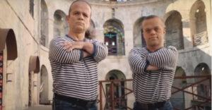 Emlékszel még Az erőd- Fort Boyard c. műsor két segédjére, Jacquesra és Jeanra? Ők a párjaik.
