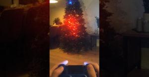 A legendás kígyós játékot szerelte fel a karácsonyfájára