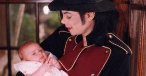 Elképesztően szép hölgy lett Michael Jackos lánya !