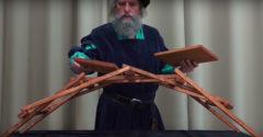 Hogyan kell hidat építeni szög és kötél nélkül? Avagy Leonardo hídja