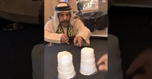 Mohamed hagyta magát átverni. Könnyű áldozatot talált magának a bűvész