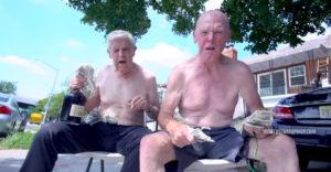 Az egyik 92 éves, a másik 75. Frank & Maury ígéretes rap karrierbe kezdtek