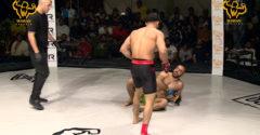 Úgy KO-zta ellenfelét egy óriási fejrúgással, hogy közben a földön feküdt