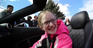 Az apuka egy Ferrarival ment a lányáért az iskolába. Kíváncsi volt a lány reakciójára