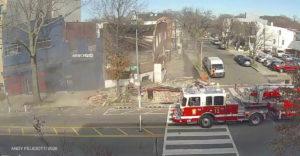 Váratlanul összeomlott egy épület. Ezt a történelem leggyorsabb kiérkezése követte