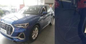 Egy 3 éves kislány végigkarcolt 10 kocsit az Audi bemutató szalonjában. Mekkora kártérítést kell kifizetni a szüleinek?