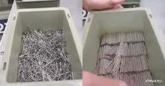 Mi a bökkenő? Néhány másodperc alatt elrendezte a dobozban levő szögeket