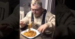 Nevetséges vagy zseniális? Ez a férfi megoldotta a spagettievés problémáját. (Ötlet a jövőből)