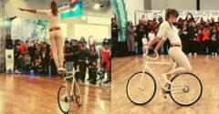 Tökéletes előadást mutatott be a biciklijével a csinos lány