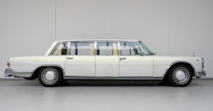 A gazdag sejk modernizáltatta a régi luxus Mercedesét. Maga az autógyár végezte el a felújítást a