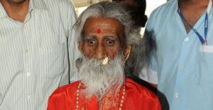 Meghalt a jógi, aki azt állította, hogy 8 évtizede nem evett. Mit mondanak erre az orvosok?