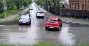 Az oka, hogy miért van az autókban gyerekzár (Lengyelország)