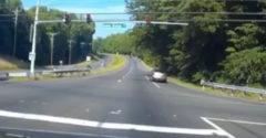 Piros lámpán száguldott át a motoros a kereszteződésen. Akkor született meg másodszor.
