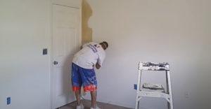 A mester kevesebb mint 9 perc alatt átfestette a szobát