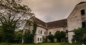A pár vett egy kastélyt, amelyben egy titkos helyiség rejtőzött. 100 évig senki nem járt ott.