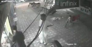 Segítség, megrázott! Egy pillanatig gondolkodott, majd megmentette az életét.