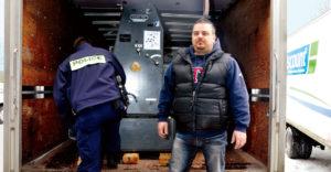 250 millió dollárt hamisított egy garázsban – Lebukott, de börtön nélkül megúszta