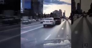 Amikor az ultra agresszív sofőrt utoléri a sors keze
