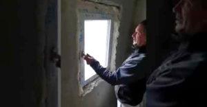 Amikor a házad ablakait egy állítólagos szakember szereli be (Az év mekkmestere)