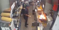 A fritőzben keletkezett lángok eloltására a létező legrosszabb módszert választotta. (Órás kihallgatás)