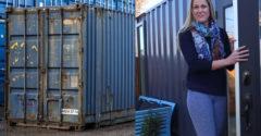 Egy modern házzá átalakított áruszállító konténer. Minden négyzetmétert kihasználtak benne