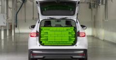 A Škoda bemutatta, hogyan mérik meg a csomagtartók térfogatát. (Tetrisz)