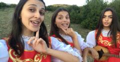 Ezek a grúz lányok megfognak az énekükkel és a pozitív energiájukkal