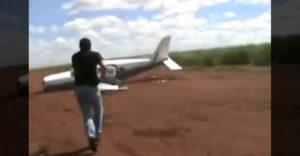 A drogkartell repülőgépének megállítása felszállás közben (Mint egy akciófilm jelenet)