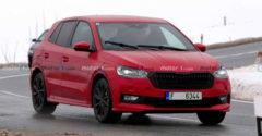 Az új Škoda Fabia IV valóban nagyon jól fest majd. A tesztelése alatt sikerült lefotózni.