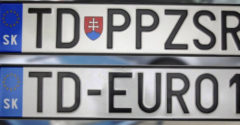 Újításokat készül a szlovák kormány. Rendszámtábláikat akár autótulajdonosi létük végéig használhatják majd a szlovákok.