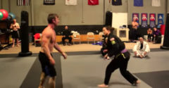 A testépítő és a Jiu-jitsu harcos összecsapása (Kikapott)