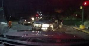 Amikor csak úgy lazán autózgatsz, és akkor egyszer csak megtámad egy kartell.