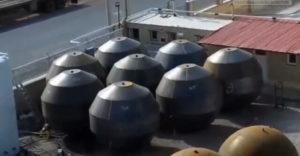 Gömb alakú tartályok formázása robbanószer segítségével