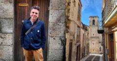 Lássuk mit kapott a pénzéért! A férfi 1 euróért vásárolt lakást Szicíliában, és így inspirál másokat.