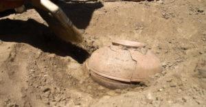 A régészek egy 800 éves agyagedényt fedeztek fel. Ami benne rejtőzött, megváltoztatta a történelmet