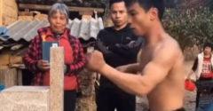 A leggyorsabb ütést egy kínai férfi mutatta be. (Acél ököl)