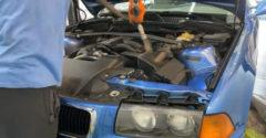 Az alváz és a motor tisztítása szárazjéggel