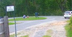 Pedofil támadt egy 11 éves fűben ücsörgő kislányra