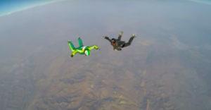 7620 méteres magasságban ugrott ki ejtőernyő nélkül (Adrenalin löket)