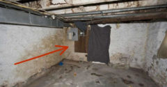 A háza felújításakor lebontott egy falat, és egy földalatti településre bukkant