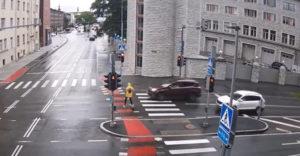 Ne állj rollerre, míg nem ismered az alapvető közlekedési szabályokat.